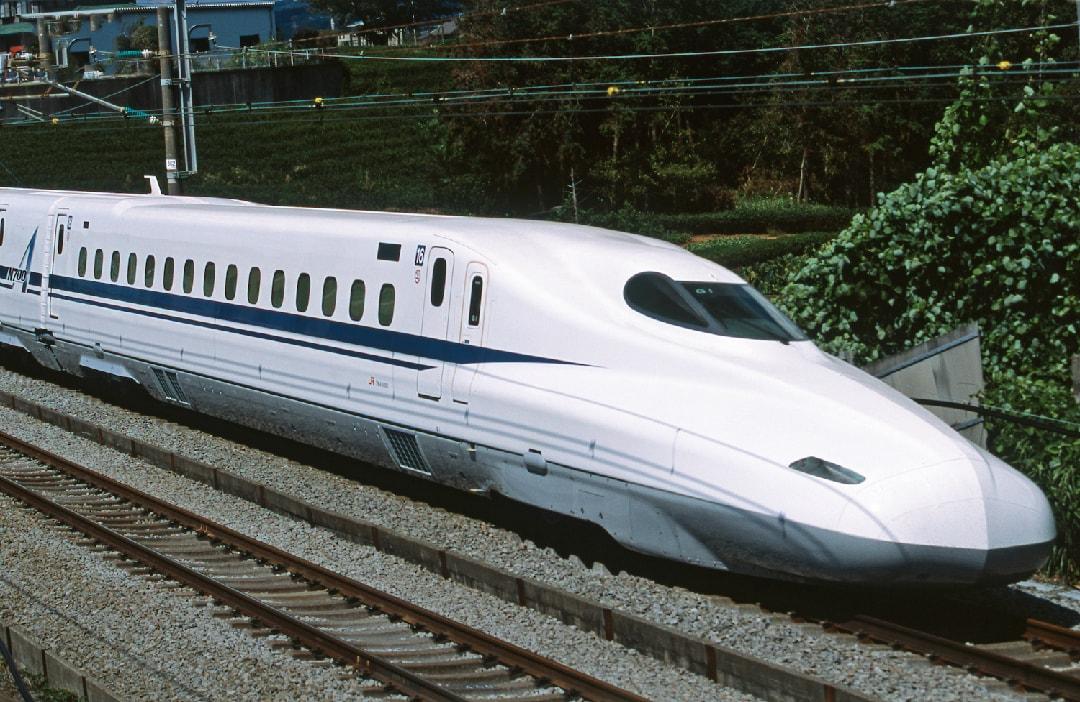 Shinkansen-bullet_train