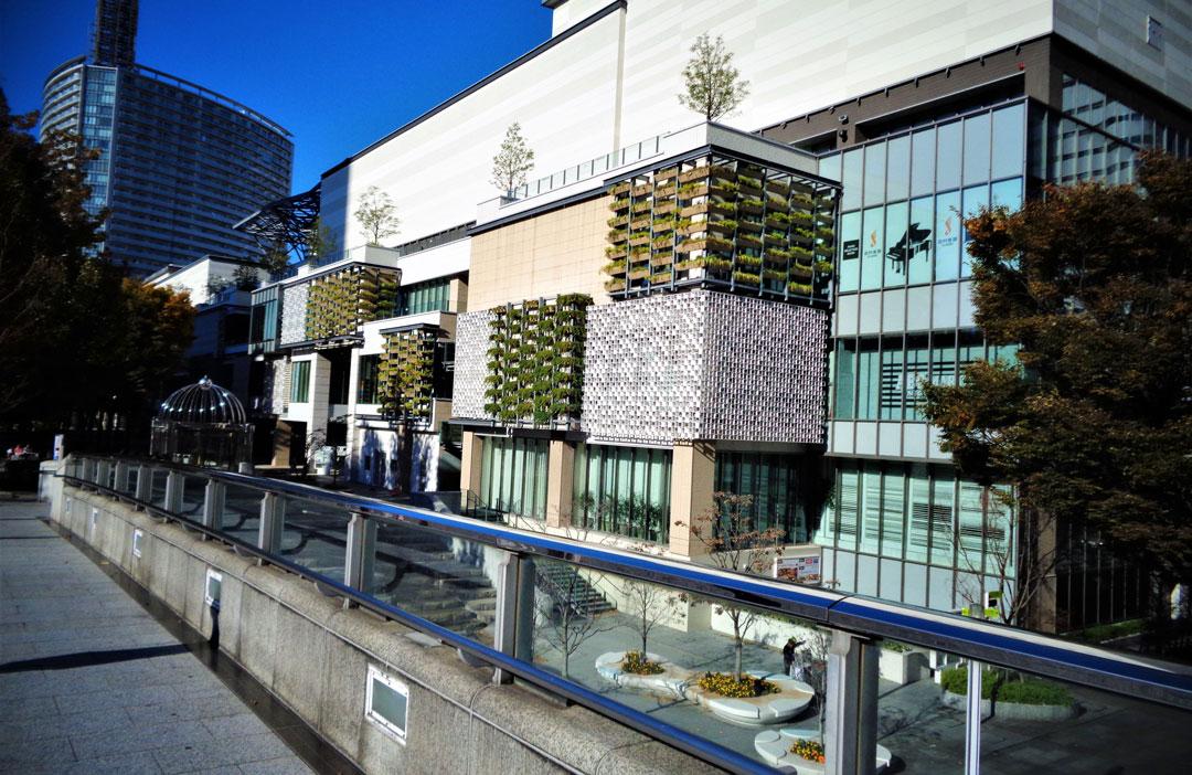 Yokohama_Shopping-&-Fassadenbegrünung